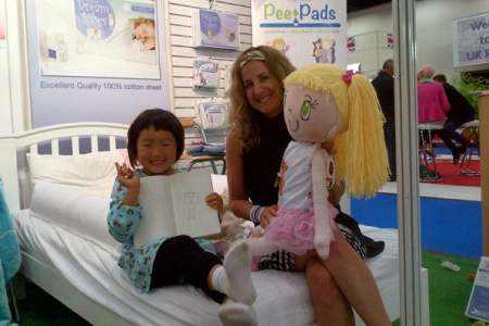 My Friend Huggles Lily and My Friend Huggles creator Brenda katz at The Kind and Jugend Trade Show for Kids' First Years