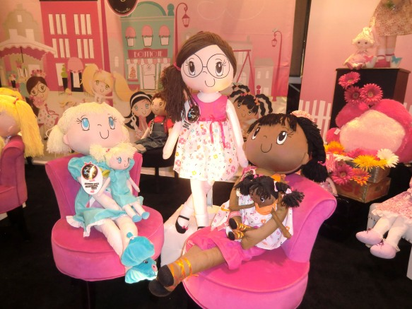 My-Friend-Huggles-2012-New-York-Toy-Fair-3-3