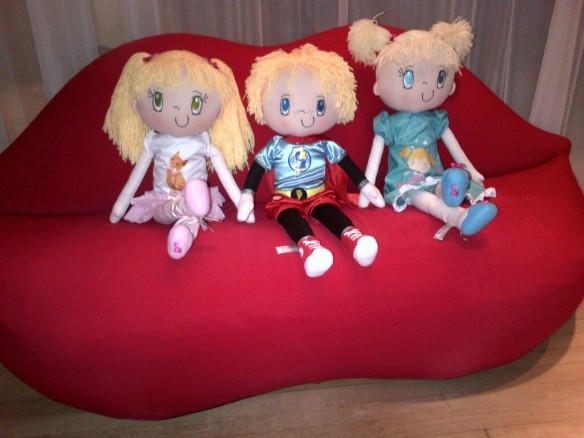 My Friend Huggles' Lily, Myles and Sofia dolls enjoy a visit to Sanderson Hotel in London-1