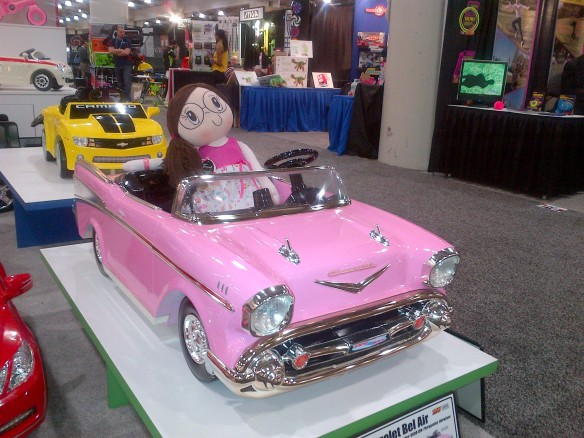 Tradeshow Reflections - My Friend Huggles at the 2013 New York Toy Fair-3